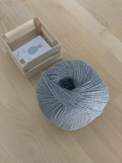 color madeja gris